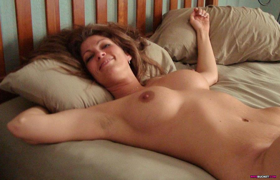 More Nude Amateur Wives