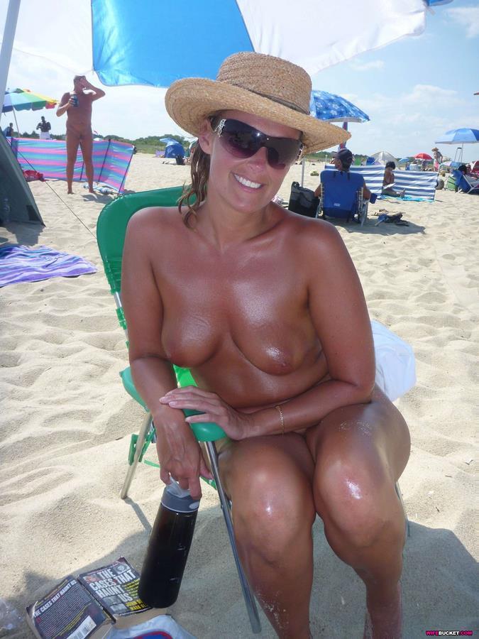 Milf Amateurs On The Beach
