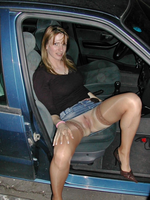Real amateur milf dogging