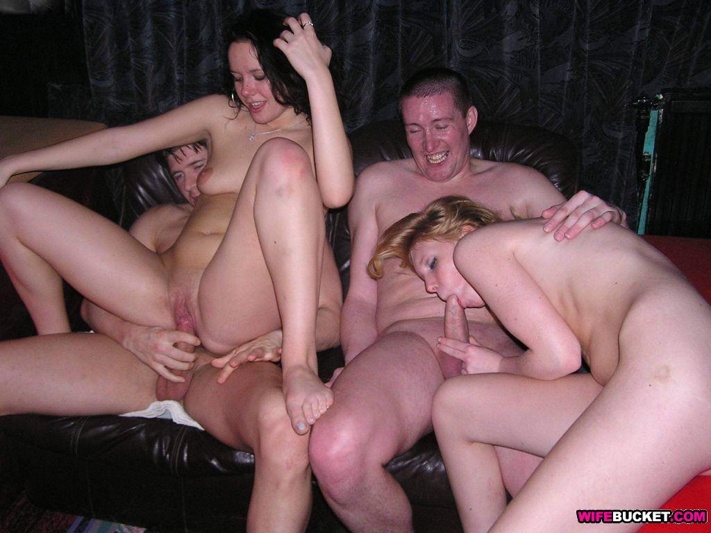 Порно фото онлайн бесплатно свингеры 61616 фотография