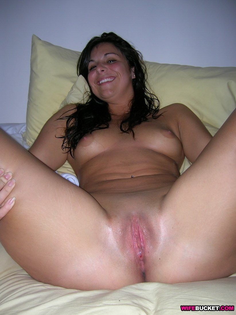 Wife Bucket - Real amateur MILFs, wives, and moms! Swingers too: wifebucket.com/fhg/photo/p10/p10-432-nude-amateur-wives/index.php
