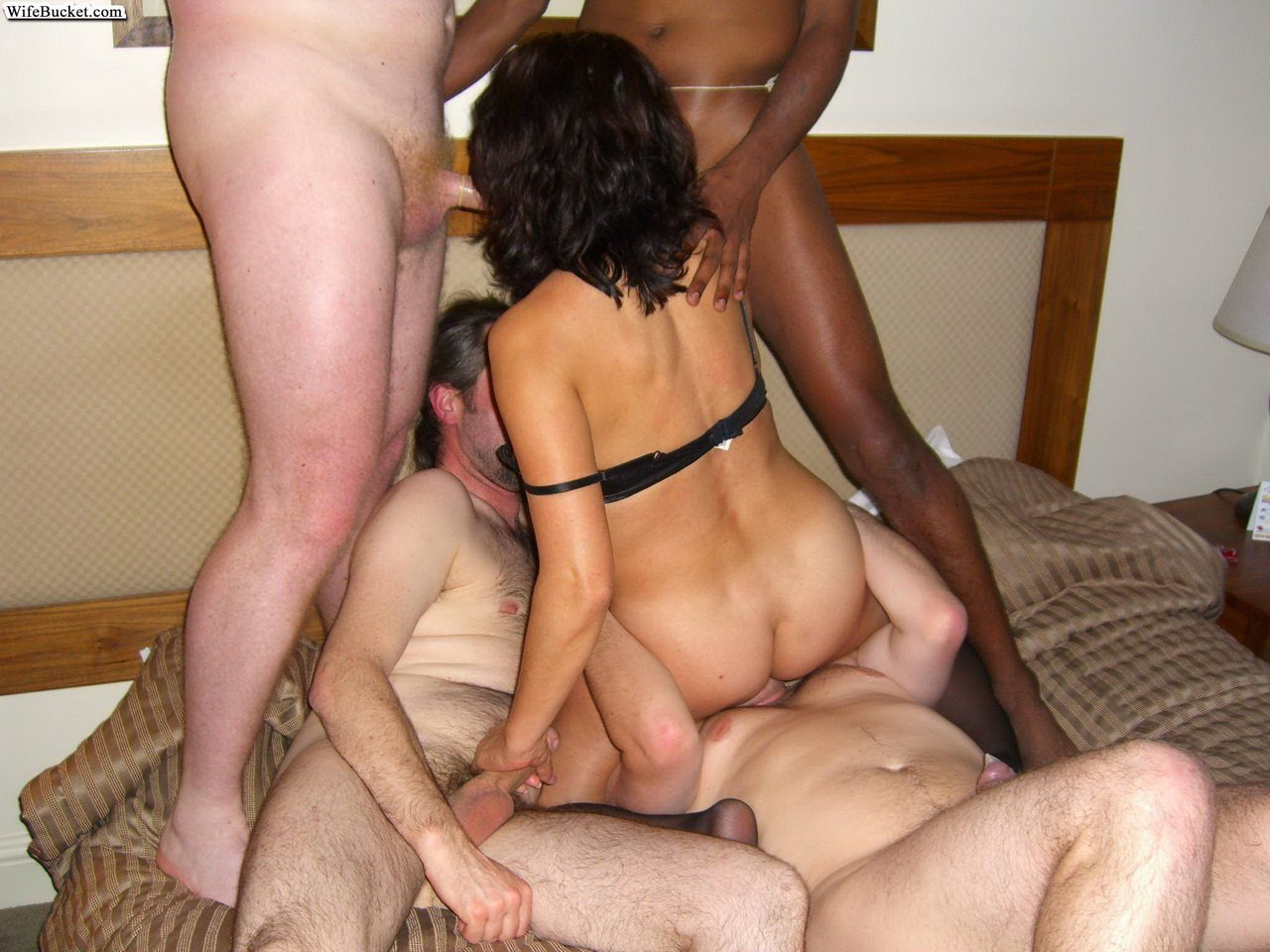 thick-women-southern-amateur-swinger-wife-free-xxx