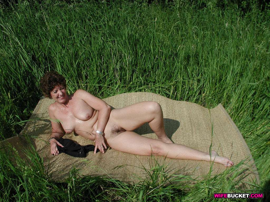 Amateur mature nude garden consider, that