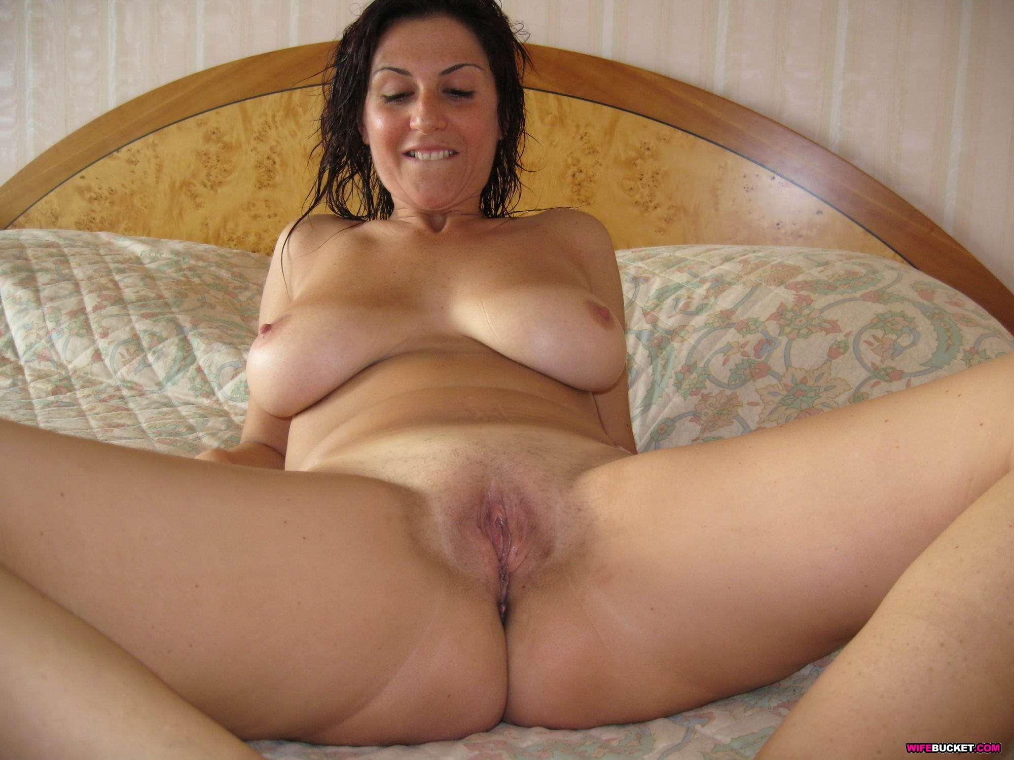Skinny pretty girl nude