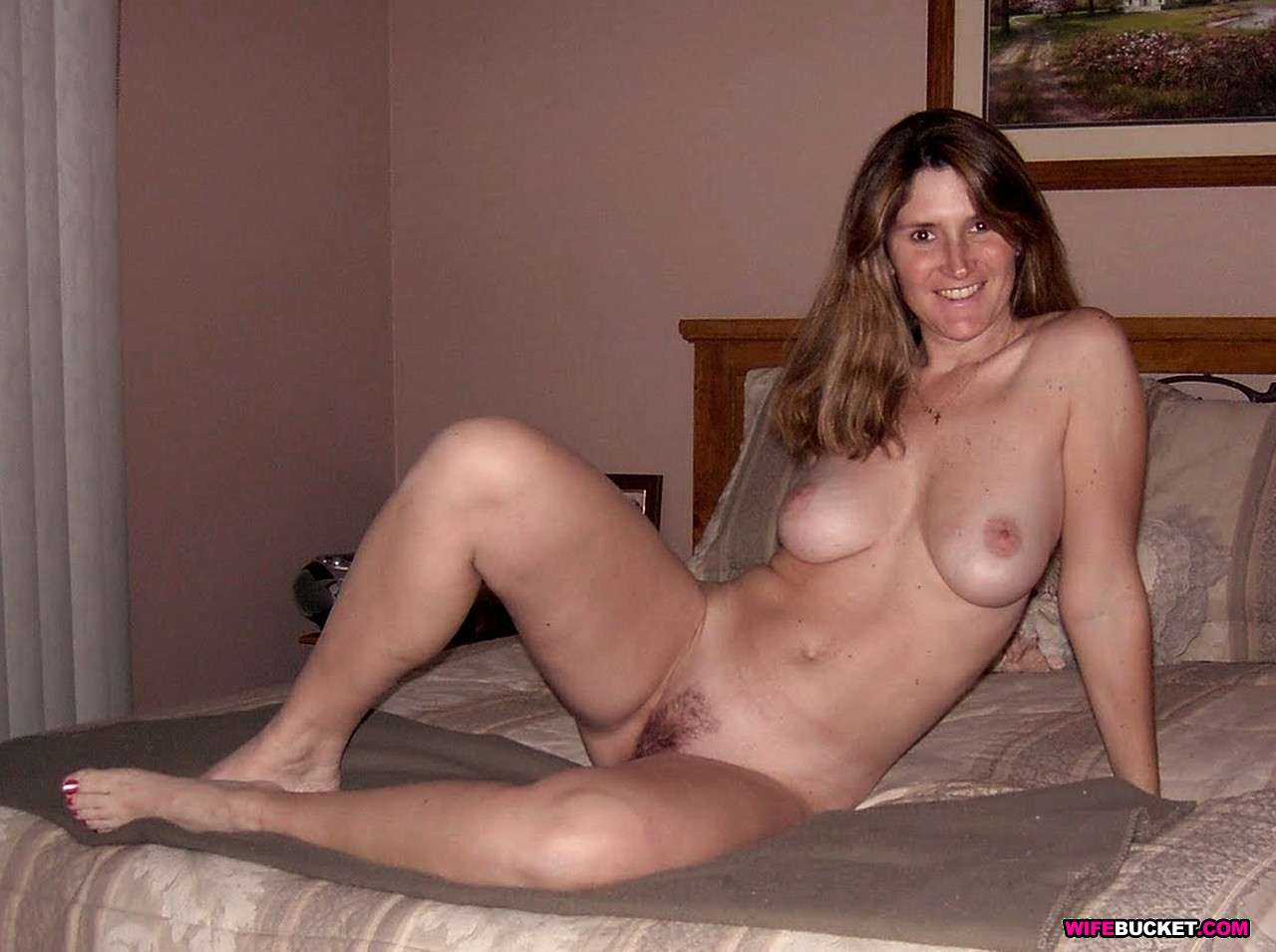 Hot sexy well hung shemales