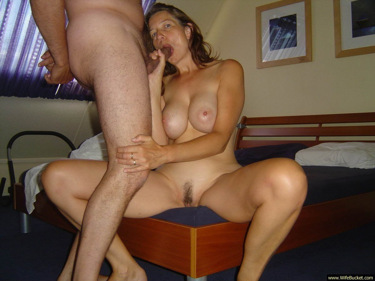 Horny wife homemade swingers party - pic hardcore
