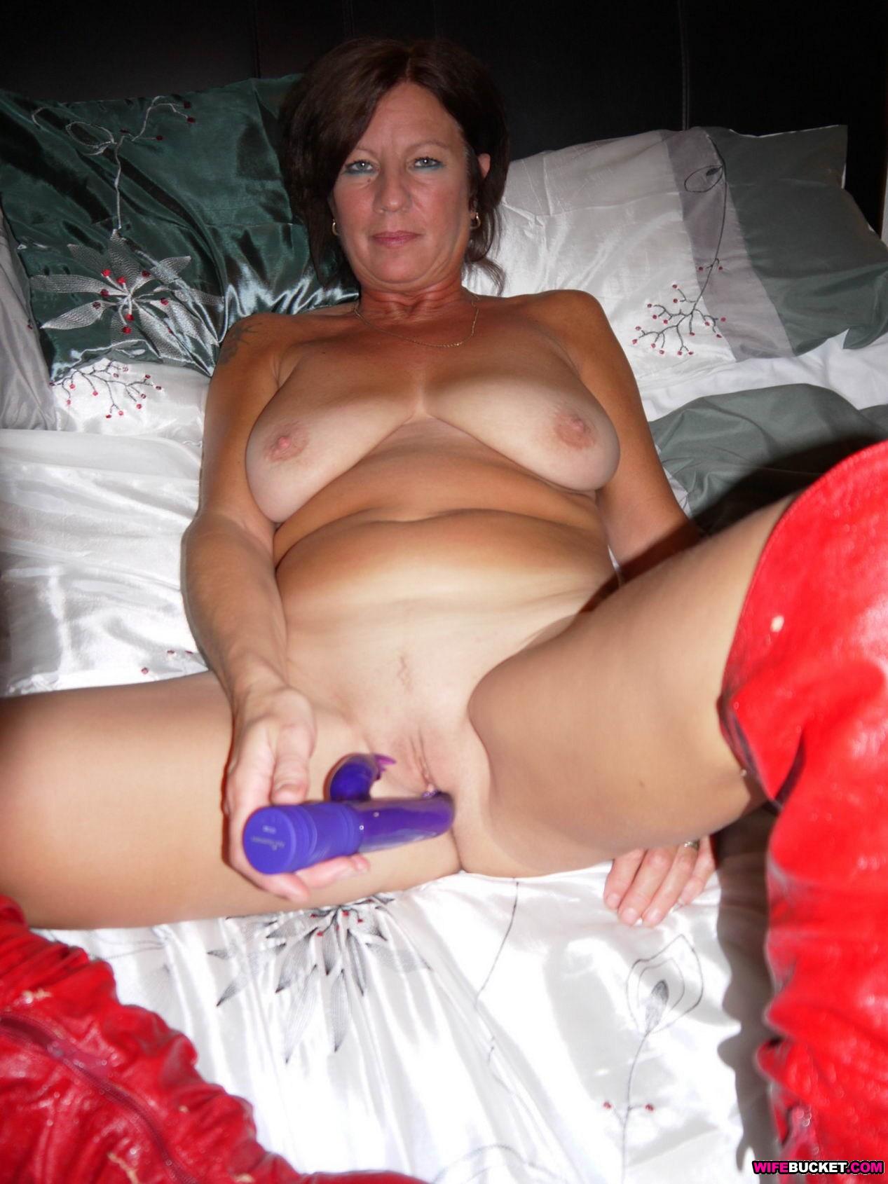 House wife nude